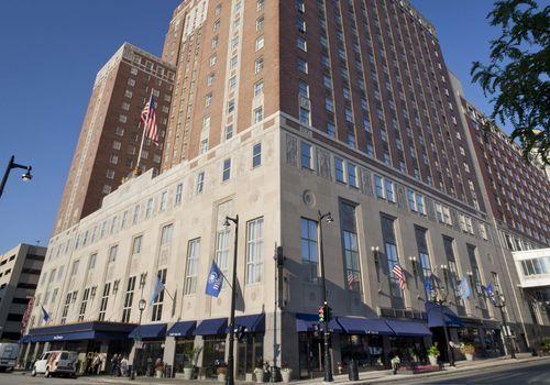 Hilton Milwaukee front