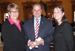 Laura Tiberi, Executive Director, Ohio ACEP; Senator Steve Buehrer, sponsor S.B. 86 and Amanda Sines, Towner Policy Group, in the Senate Chambers, May 19, 2010